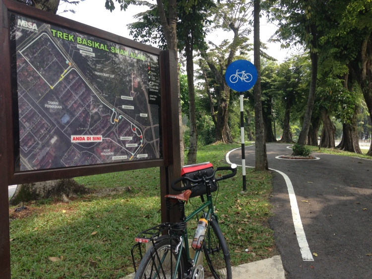 Exploring Shah Alam on a bike