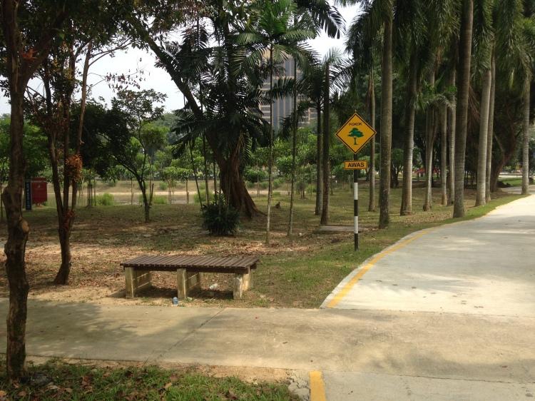 The left turn takes you into the Taman Hutan Lipur Bukit SUK. Don't venture alone there.